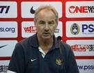 HLV Alfred Riedl ngạc nhiên về tốc độ của đội tuyển Việt Nam