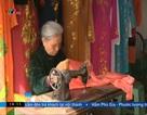 Cụ bà 75 tuổi may áo dài ở phố cổ Hà Nội