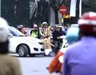 Nhiều người Hà Nội vô tư vượt đèn đỏ dưới hệ thống camera giám sát