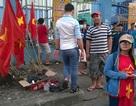 Dịch vụ ăn theo nở rộ xung quanh trận đấu của Olympic Việt Nam