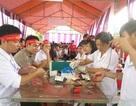 """Hàng ngàn sinh viên tham gia ngày hội hiến máu """"Sắc đỏ dòng Lam"""""""