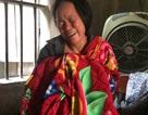 Cha mẹ khóc nghẹn ngóng thi thể con bị đâm chết ở Đài Loan