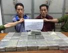 Mang 50 bánh heroin xuyên quốc gia, rút dao chống trả công an