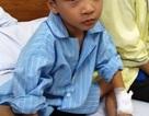 Đình chỉ chuyên môn 1 tháng đối với bác sỹ mổ nhầm tay trẻ 6 tuổi
