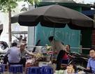 Nhan nhản hàng quán sát nhà vệ sinh công cộng ở Hà Nội