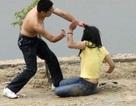 Một thiếu nữ bị bạo hành dã man giữa Thủ đô