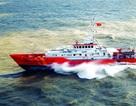 Sóng lớn đánh chìm tàu trên biển, 9 người mất tích