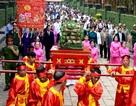 Lãnh đạo TPHCM dâng bánh tét cúng Quốc tổ Hùng Vương