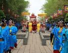 Lãnh đạo thành phố cùng hàng nghìn người dân dâng hương lễ Quốc Tổ Hùng Vương