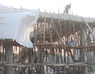 Sập mái bê tông công trình cây xăng, 3 người nhập viện