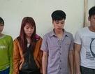 """Hai cặp vợ chồng người Dao """"rải"""" tiền giả ở Yên Tử"""