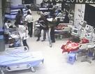 Côn đồ truy sát, chém đứt gân tay bệnh nhân đang cấp cứu