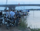 Va chạm tàu, 4 người nhảy xuống sông, 1 người mất tích