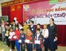 Quảng Trị: Trao nhiều suất học bổng đến học sinh nghèo vượt khó học giỏi