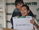 Hơn 40 triệu đồng tiếp tục đến với cậu bé tật nguyền 7 năm sống ở thuyền