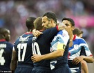 Giggs ghi bàn, Vương Quốc Anh hạ gục UAE