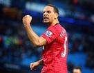 """Rio Ferdinand """"chê"""" CĐV Man City ném đồng xu quá bé"""