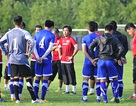 HLV Miura động viên học trò sau trận hoà Indonesia