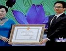 Trao Huân chương Độc lập hạng nhất cho Ngành Y tế Việt Nam