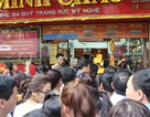 Hà Nội: Tắc đường kinh hoàng vì người dân đổ xô đi mua vàng