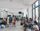 Hà Nội: Nắng nóng, người lớn và trẻ em vật vã trong bệnh viện