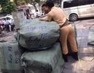 Hà Nội: Thu giữ 254 chiếc cặp da không rõ nguồn gốc