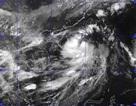 Ảnh hưởng bão số 2, sóng đánh cao 5 mét trên Biển Đông