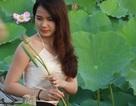 """Giới trẻ Hà Thành """"phát sốt"""" với sen Tây Hồ"""