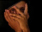 """""""Saving Face"""" - câu chuyện về những phụ nữ bị tạt a-xít"""