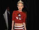 Miley Cyrus khoe bụng trong buổi trình diễn của Marc Jacobs