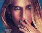 Cận cảnh đôi mắt xanh tuyệt đẹp của siêu mẫu Ý