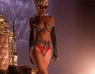Rihanna khoe đống quà hàng hiệu