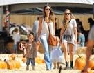 Jessica Alba tận tụy với hai con nhỏ
