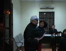 Công an giúp cụ ông 75 tuổi đi lạc trên đại lộ Thăng Long tìm người thân