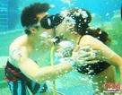 """Khoảnh khắc """"siêu ngọt"""" của các cặp đôi dự thi hôn dưới nước"""