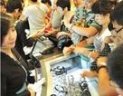 """Khách Trung Quốc """"đổ bộ"""", khu du lịch Nhật Bản hết sạch hàng trong vài giờ"""