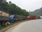 Hàng trăm xe tải lại xếp hàng dài, ùn ứ tại cửa khẩu Tân Thanh