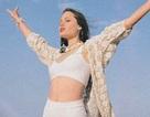Hé lộ loạt ảnh tươi trẻ của Angelina Jolie