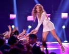 Jennifer Lopez cuốn hút mọi ánh nhìn