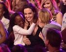 Hình ảnh đẹp về mẹ con Angelina Jolie tại lễ trao giải Kids' Choice