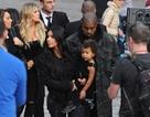 Kim Kardashian và gia đình vãn cảnh Armenia