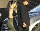 Kim Kardashian bốc lửa ra phố