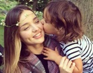 Miranda Kerr - Cựu thiên thần của Victoria's Secret cùng con trai dạo phố
