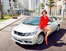 Civic phiên bản mới và siêu mẫu Minh Triệu khoe dáng