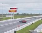 Mazda RX-7 tông Nissan GT-R trên đường đua
