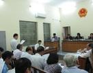 Hoãn phiên tòa xét xử vụ nguyên Hiệu trưởng kiện UBND TPHCM