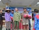 Trao 120 triệu  đồng cứu trợ thiệt hại lũ lụt  đến bà con 3 xã ở Hương Sơn