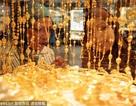 """Hoa mắt với... vàng ở """"thiên đường mua sắm"""" Dubai"""
