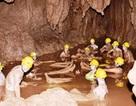 """Kỳ thú """"Tắm bùn hang động"""" ở Phong Nha"""
