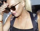 Lindsay Lohan mặc áo nhìn xuyên thấu